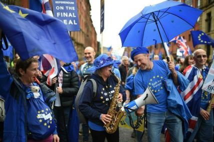 Bath for Europe at the Manchester march, 1st October. Photo © Daily Mirror.