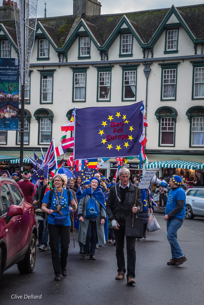 Christmas-themed Pulse of Europe, Sunday 2nd December, 2 – 4 pm, meet outside Bath Guildhall