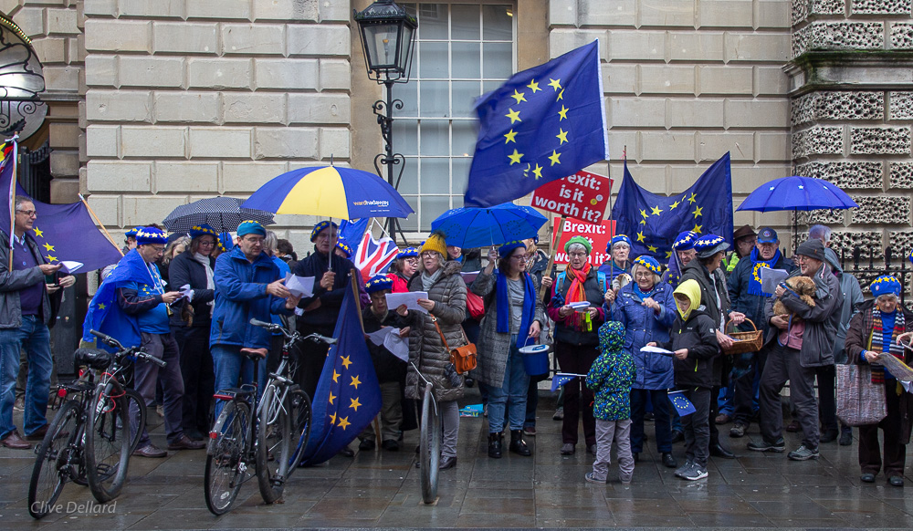 Bath for Europe carollers sing praises of EU membership